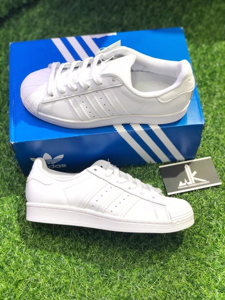 B23641 SuperStar All White