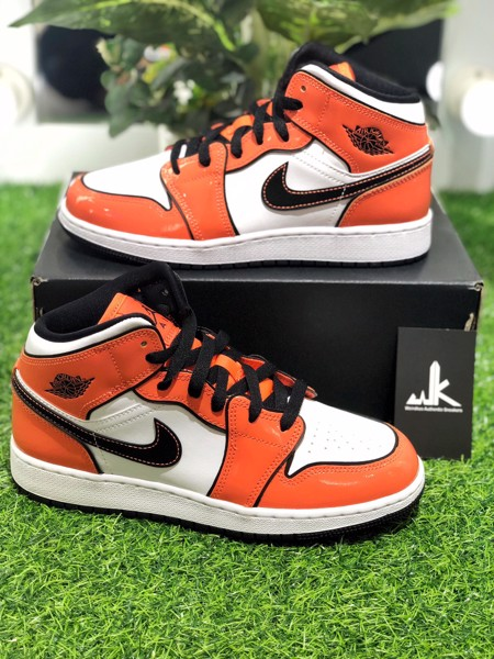BQ6931-802 Jordan 1 Mid Turf Orange