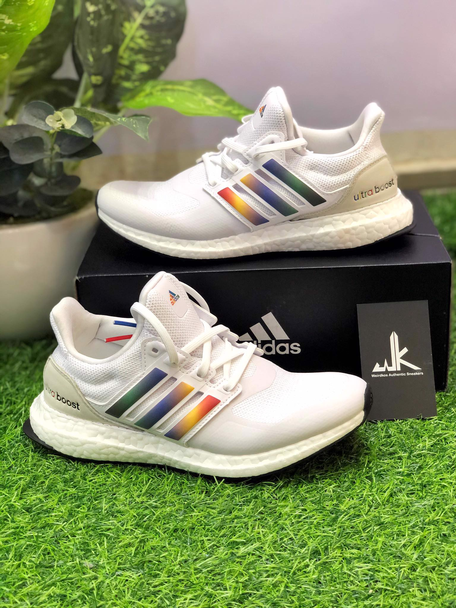 FV7014 UltraBoost DNA White Multi