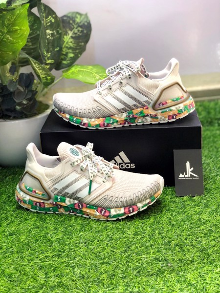 FX8890 UltraBoost 20 Global Currency