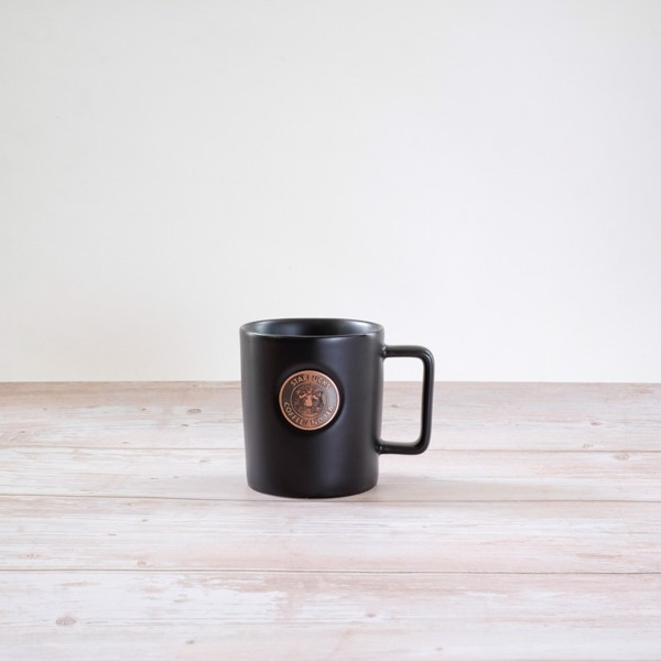 Cốc sứ Mug 16OZ Metal Badge