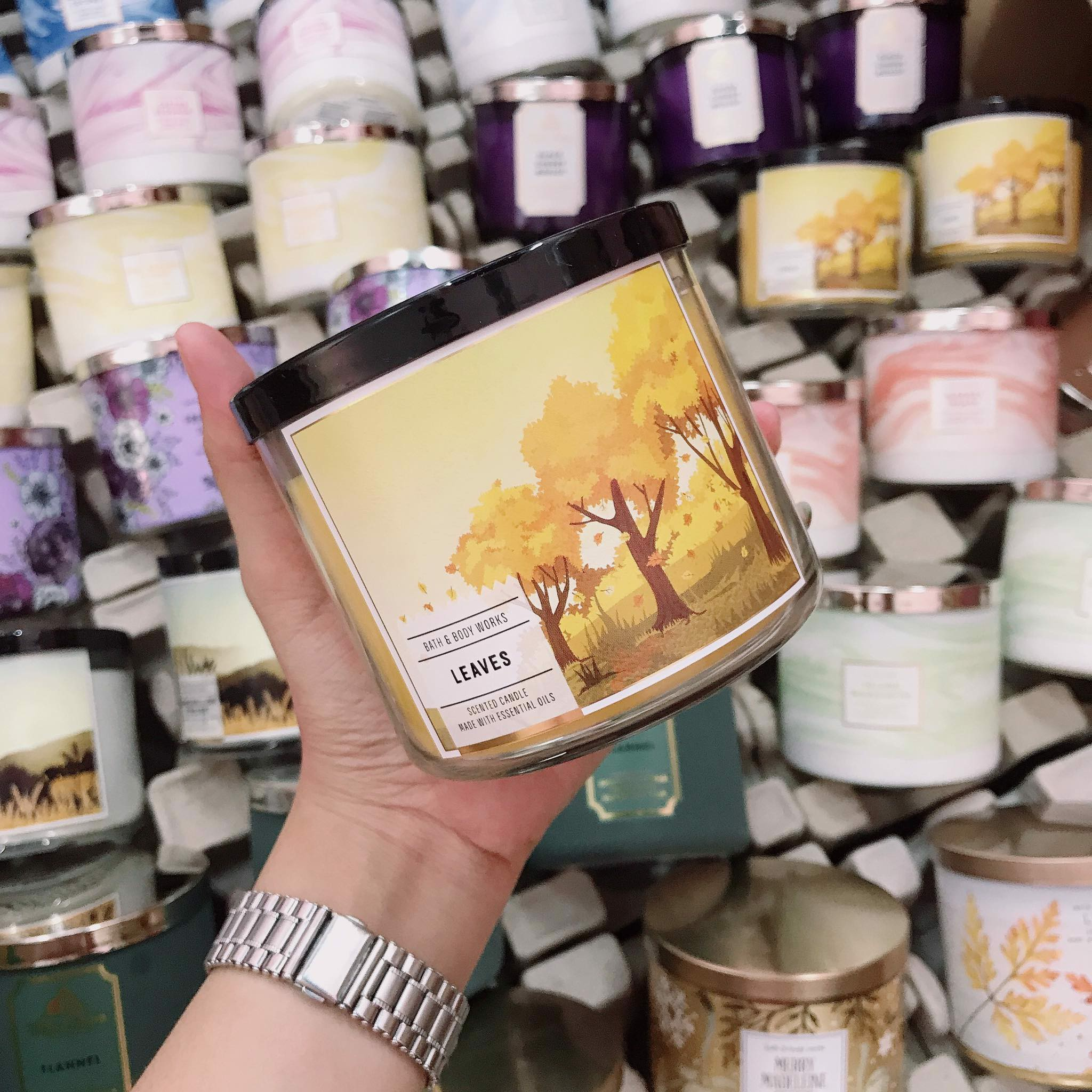 Nến Thơm 3 Bấc Bath & Body Works Leaves Scented Candle