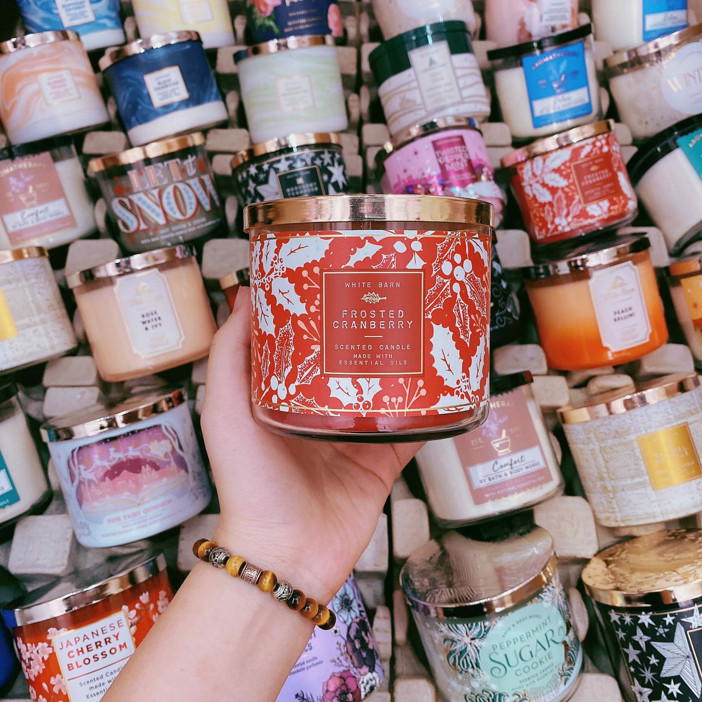 Nến Thơm 3 Bấc Bath & Body Works Frosted Cranberry Scented Candle