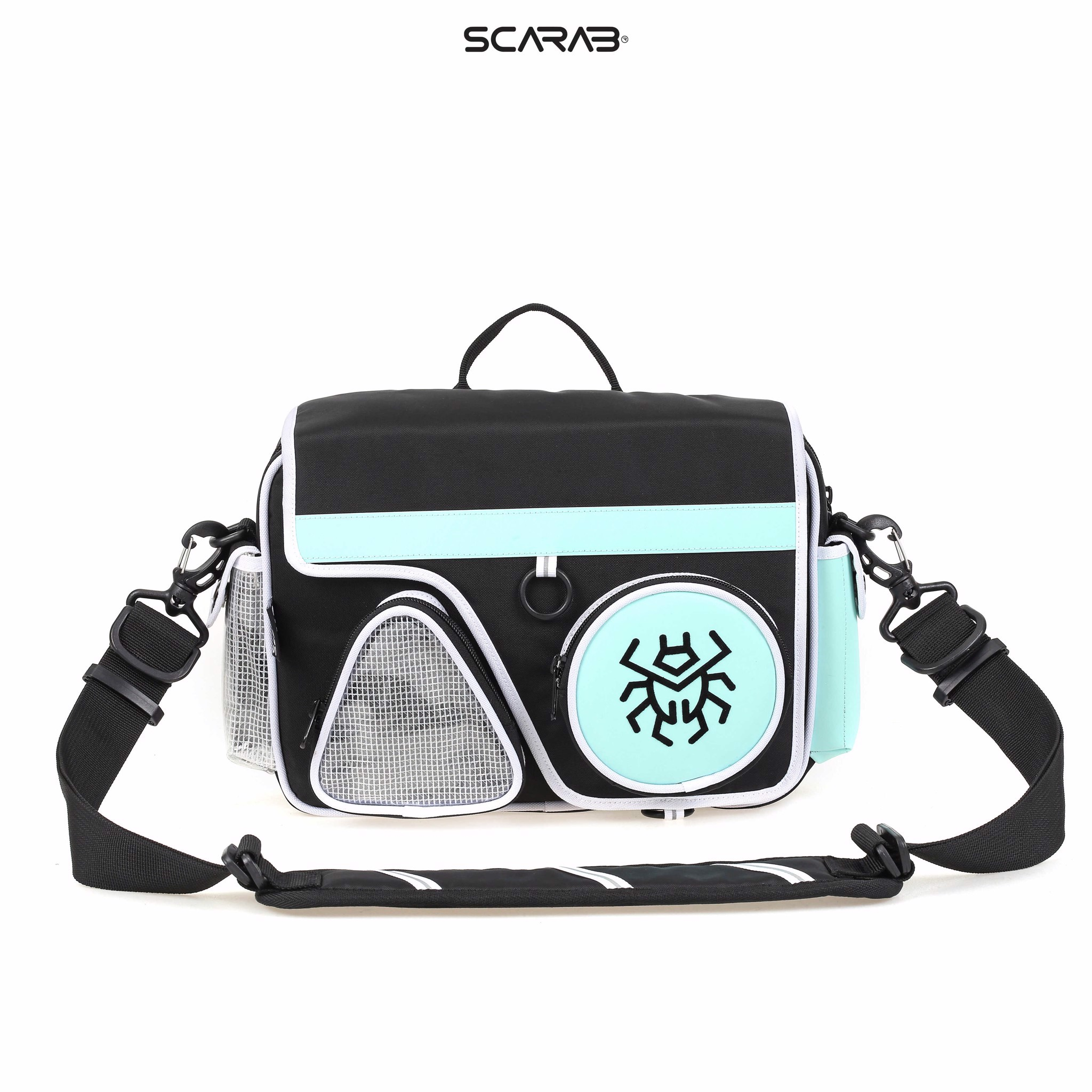 SOLID™ REFLECTIVE MESSENGER BAG