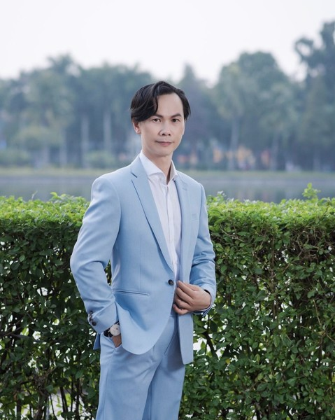 Blue Suit thanh lịch