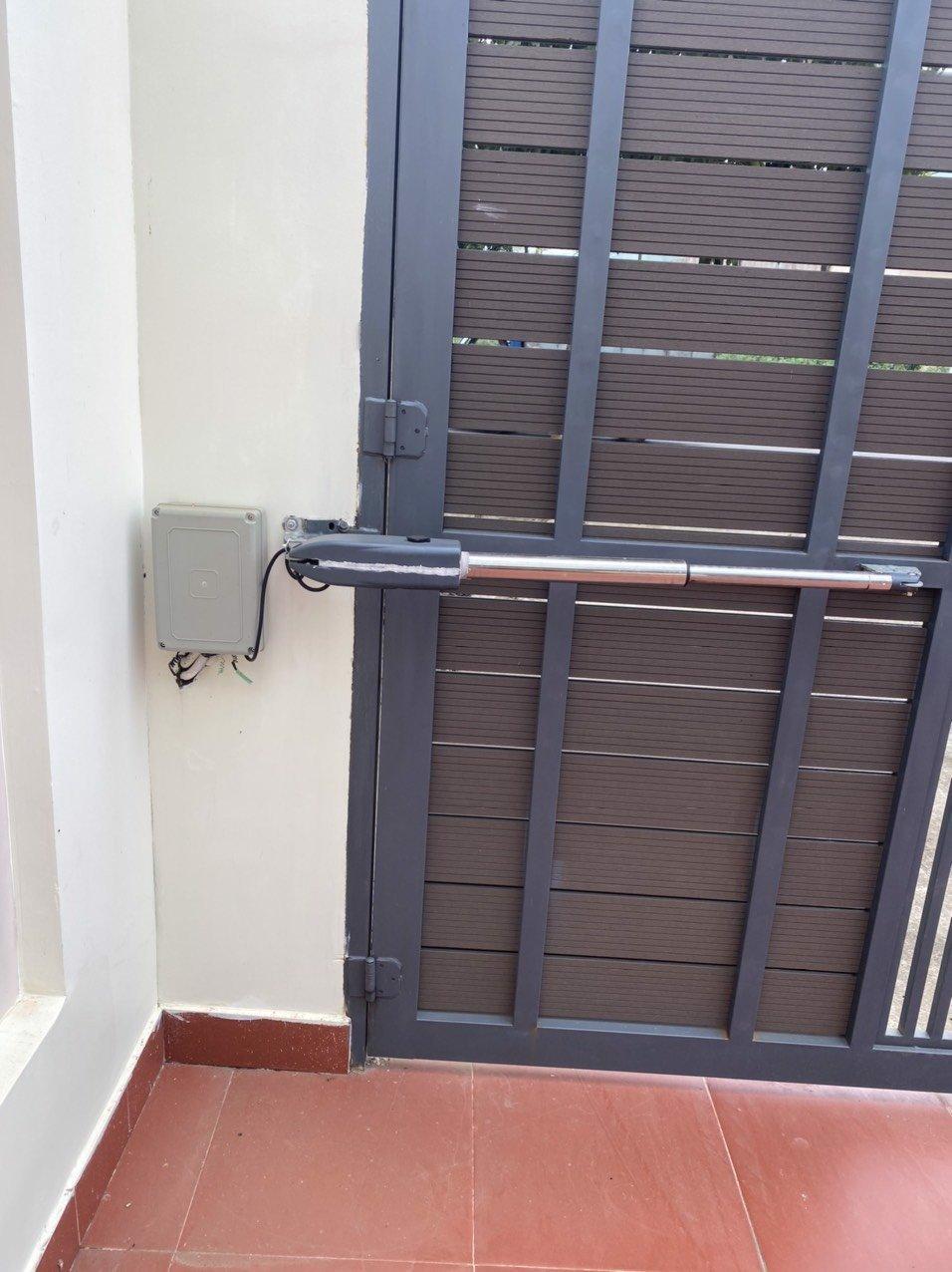 Motor cửa cổng - cánh tay đòn PKM C02