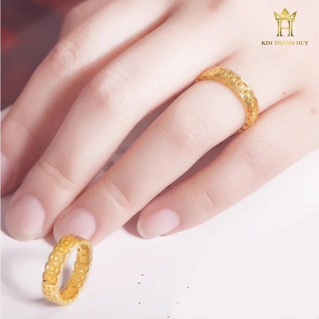 Nhẫn kim tiền (3)