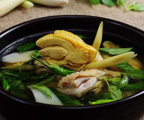 Lẩu Gà Ta Nấu Lá É - Chicken Hot Pot With Baby Bamboo & Herbal Leaves