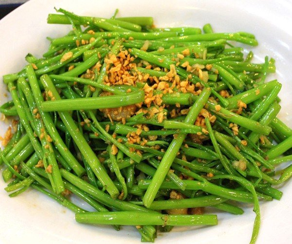 Rau Muống Xào Tỏi - Sauteed Water Morning Glory With Garlic