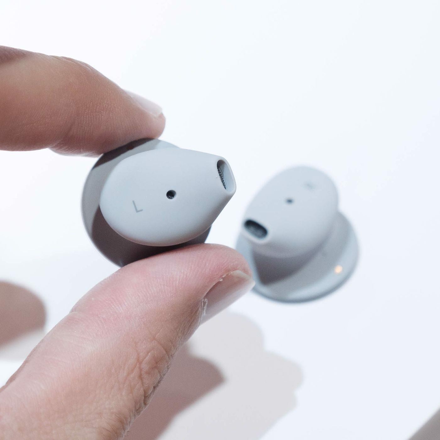 Tai nghe Microsoft Surface Earbuds